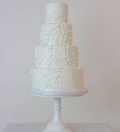Ginilla cake design